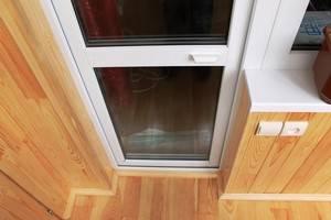 Балконная пластиковая дверь туго закрывается. что делать если пластиковая балконная дверь плохо закрывается?