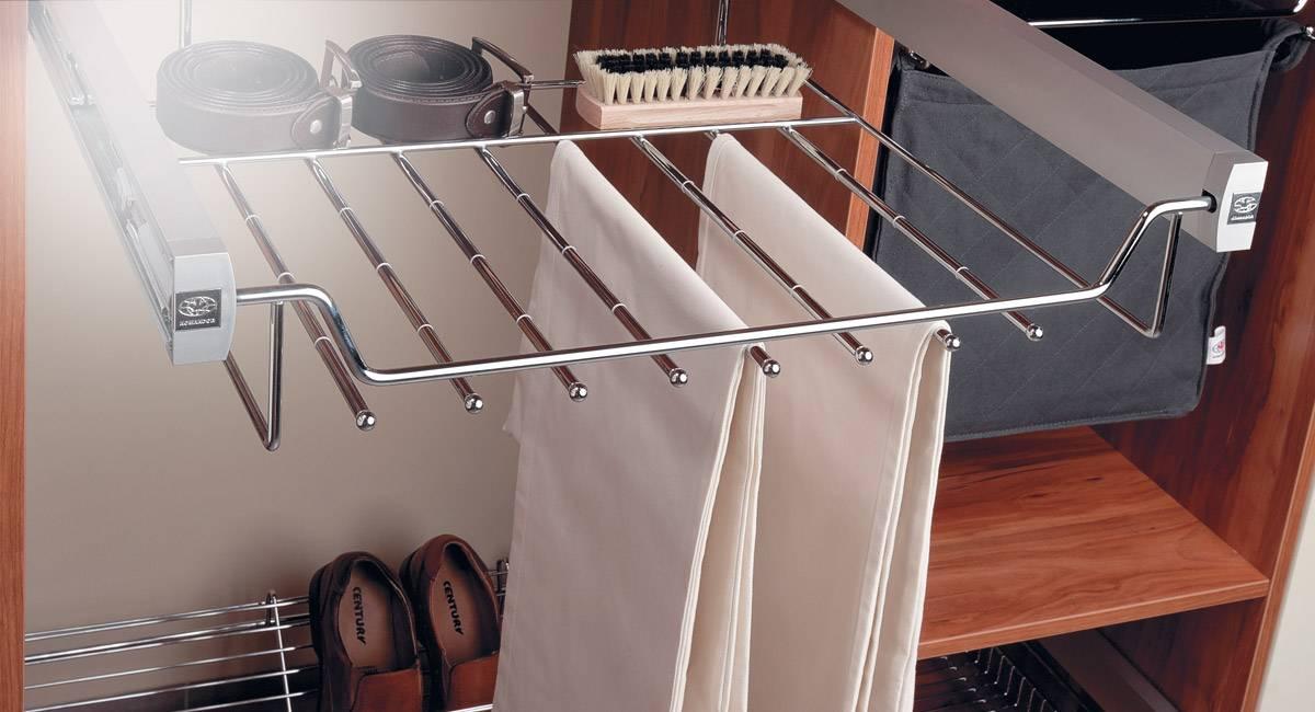 Выдвижые брючницы для шкафа