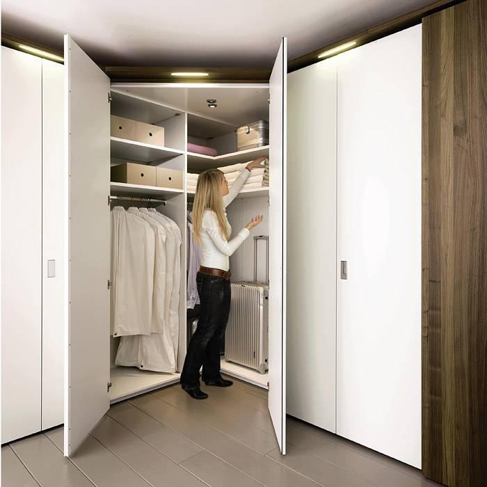 Шкаф-купе в гардеробную (59 фото): угловой в прихожую и комнату, что лучше выбрать