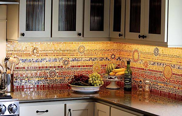 Мозаика в стиле антонио гауди (25 фото): шестиугольники и другие формы, примеры укладки шестиугольной плитки в интерьере