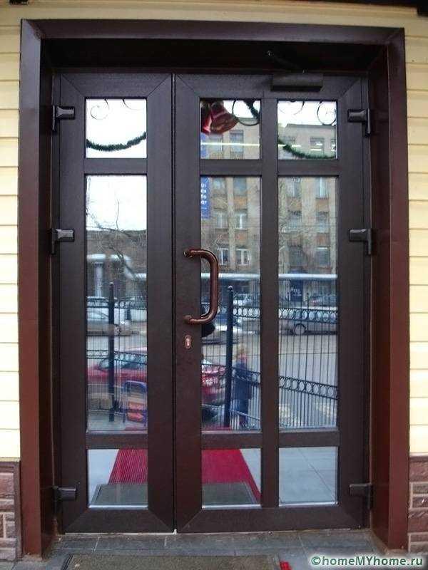 Используем входные кованые двери для дома