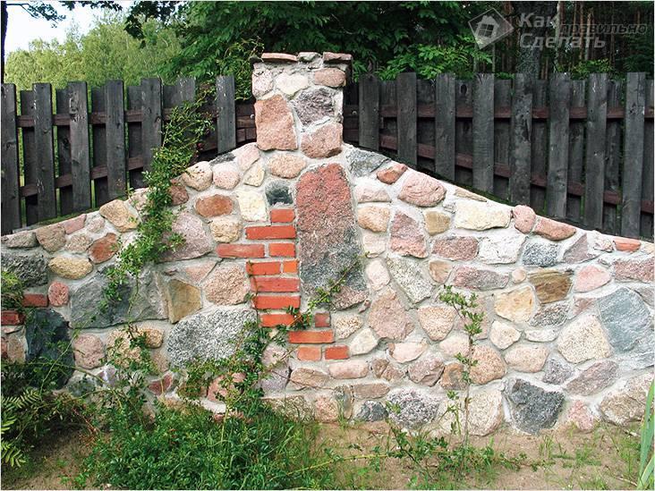 Забор из природного, речного или дикого камня своими руками: пошаговая инструкция