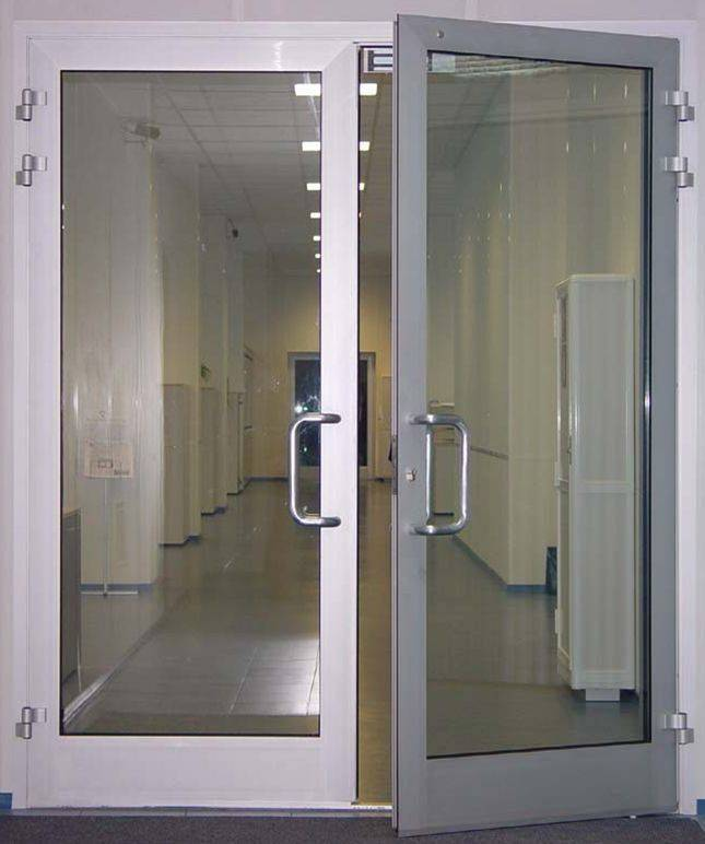 Алюминиевые двери: входные со стеклом + теплый профиль