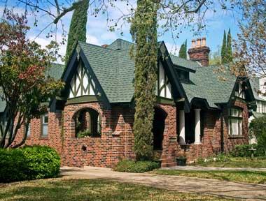 Как построить дом в стиле Тюдоров: адаптированный для России: английский стиль старинных особняков — Обзор