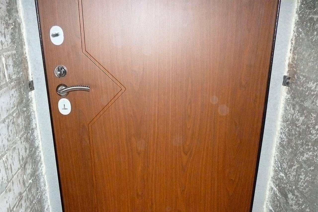 Установка межкомнатных дверей своими руками: простая инструкция