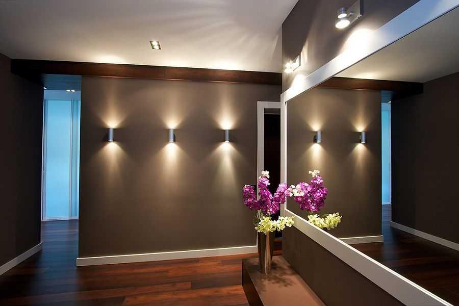 Какими сделать потолок и освещение в прихожей?