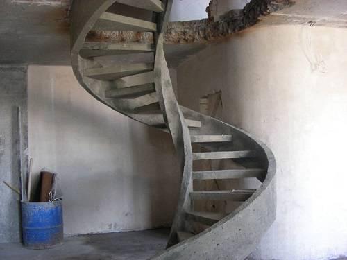 Особенности и технология отделки бетонной лестницы деревом