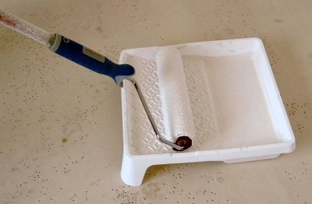 Стройремонтгрунтовка для стен под обои своими руками: какую лучше выбрать и как наносить