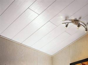 Обшивка потолка пластиком, как правильно крепить панели, при необходимости разобрать конструкцию, фото и видео примеры