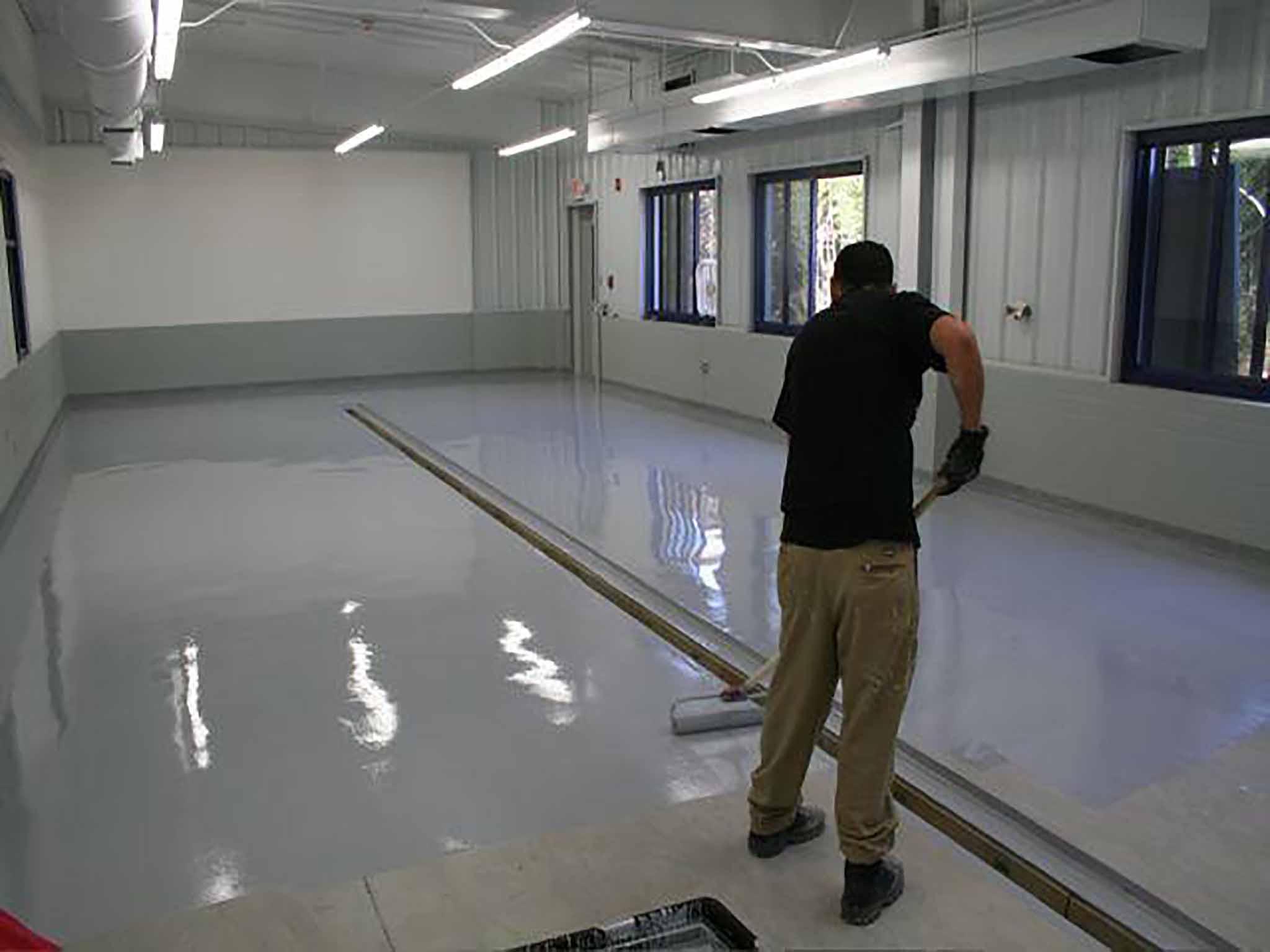 Краска по бетону: полимерная износостойкая краска для внутренних работ, гидроизоляционный состав для покраски бетонного пола