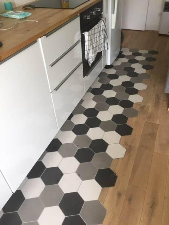 Стык плитки и ламината – варианты соединения с порогом и без порожка перехода между плиткой и ламинатом