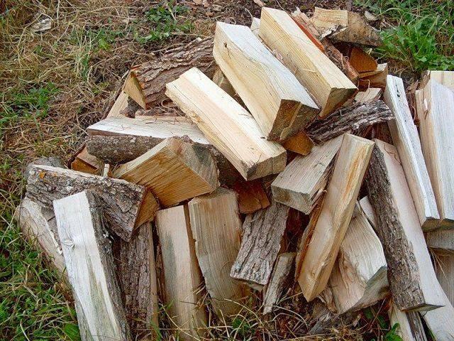 Топливные брикеты или дрова, что лучше по мнению экспертов и обычных людей