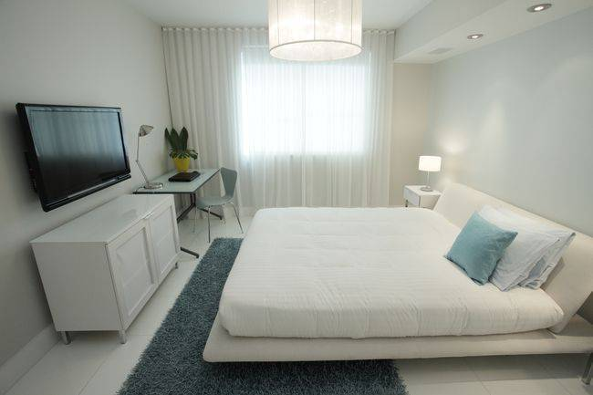 Короткие шторы: 99 фото в интерьере спальни, гостиной, кухни, детской и балконе