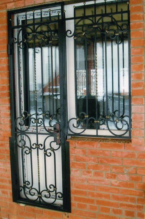 Решетчатые двери: металлические, кованые, деревянные, 3 главных особенности.