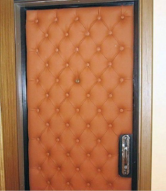 Как обшить дверь дермантином своими руками: пошаговая инструкция
