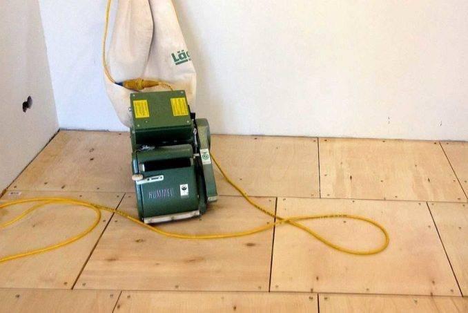 Как правильно укладывать паркетную доску на бетонный пол?