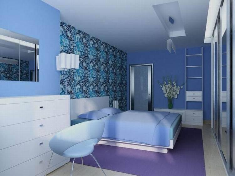 Синие обои (49 фото): однотонные покрытия для стен белого и темного цвета с золотом для стен и с красными розами в интерьере