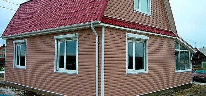 Обшивка деревянного дома сайдингом – расчет материалов и технология установки