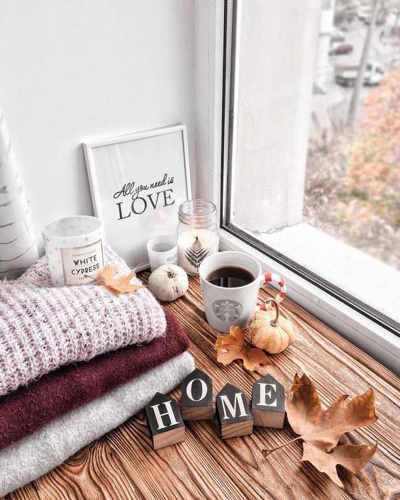 Как красиво украсить свою комнату: летний и зимний декор - 24 фото