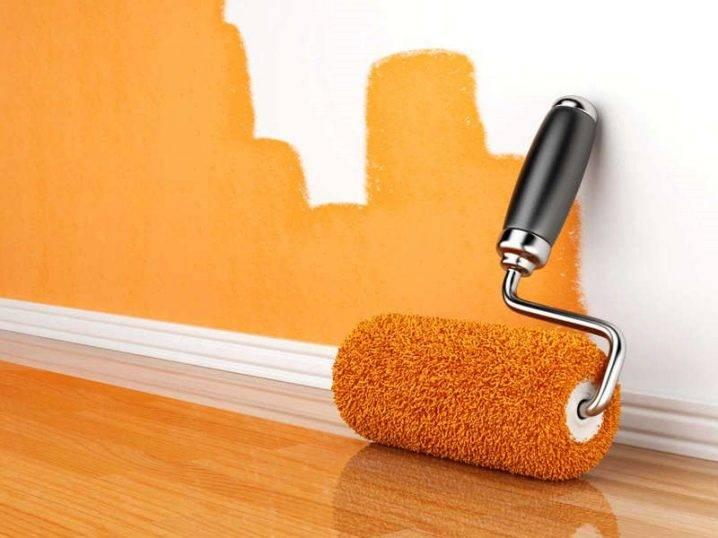 Как покрасить стены и потолок акриловой краской?