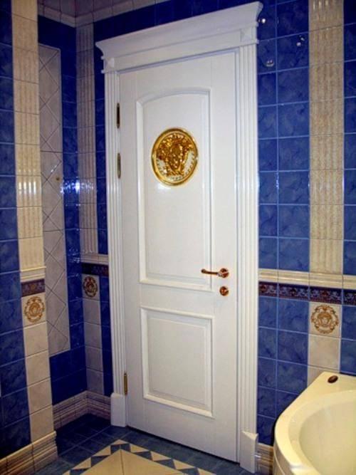 Двери в туалет и ванную: 170+ (фото) лучших вариантов