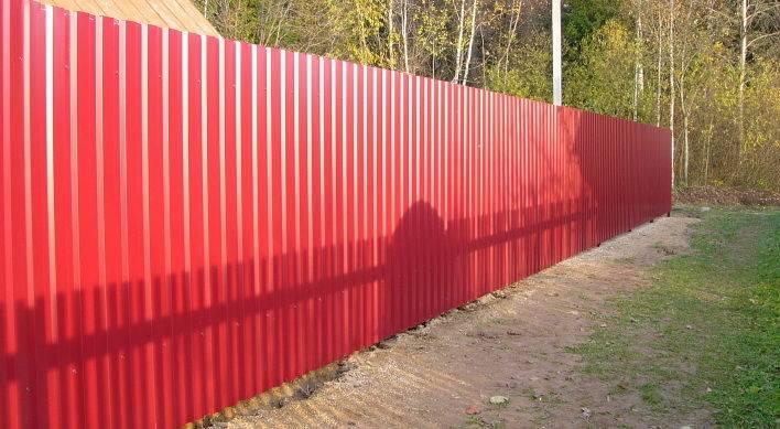 Забор из профлиста своими руками - всё о воротах и заборе