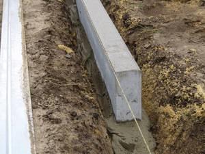 Бортовой камень дорожный, садовый бордюр гост 6665-91.