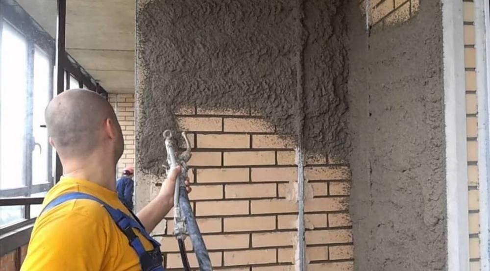 Штукатурка стен гипсовой смесью по маякам — этапы, важные моменты и советы