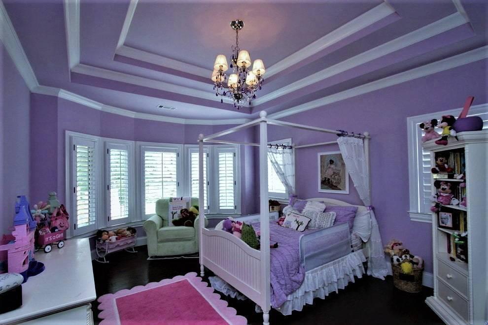Натяжные потолки сиреневого цвета