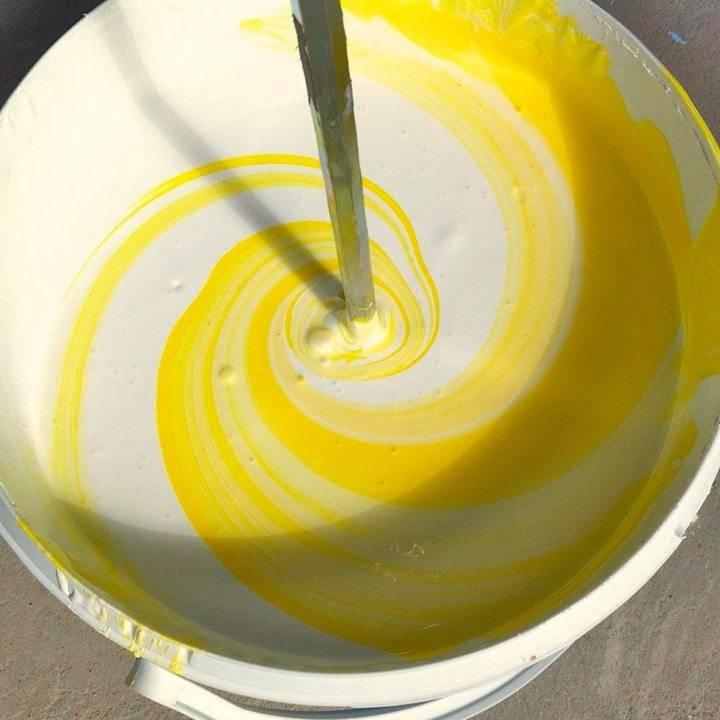 Виды колеров для водоэмульсионных красок и условия их применения