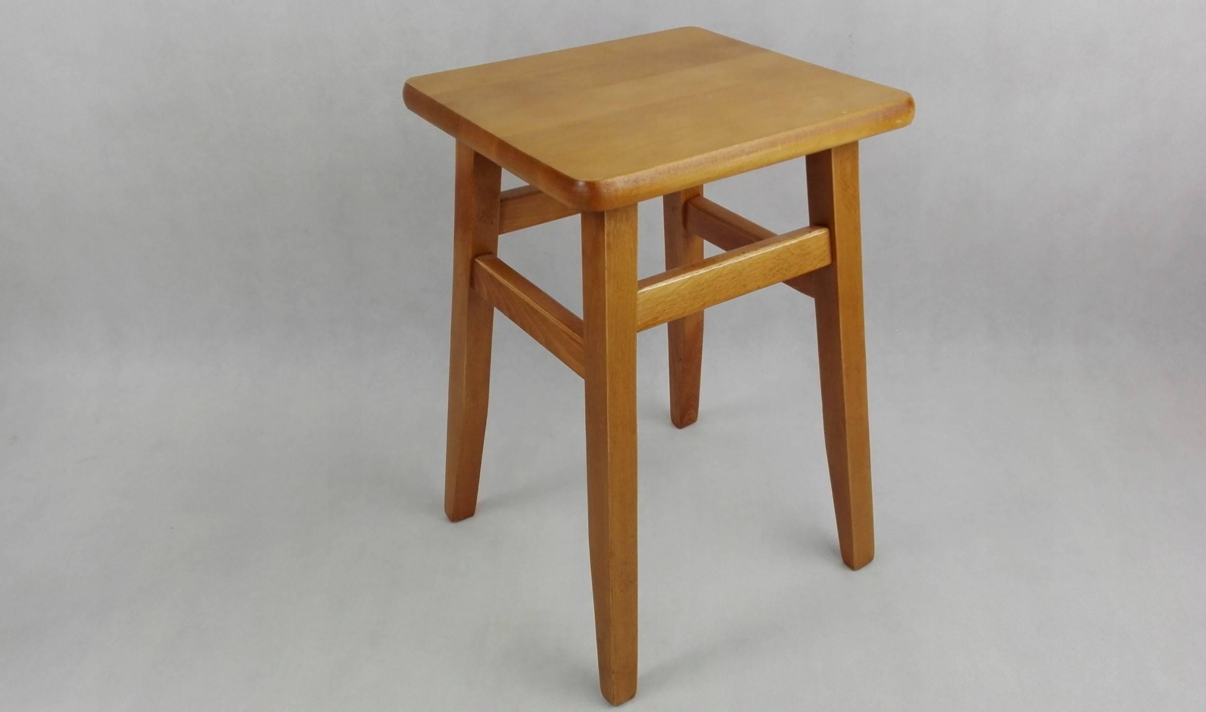 Высота барного стула в зависимости от габаритов стойки, роста сидящего
