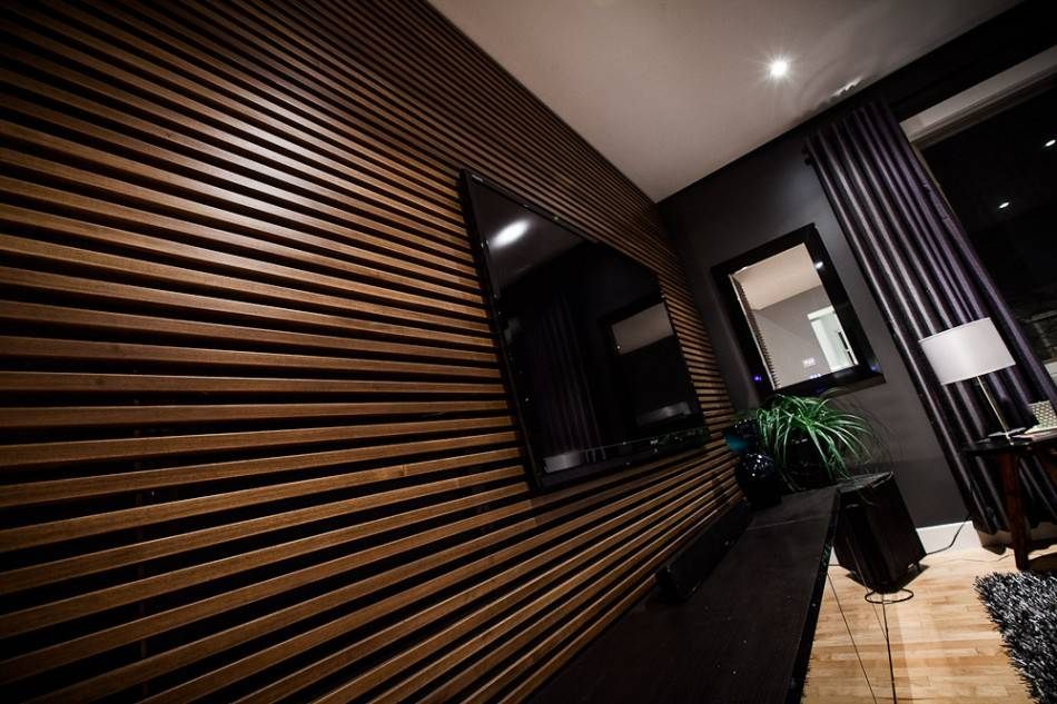 Деревянные потолки — из каких материалов их делают и как оформляют?