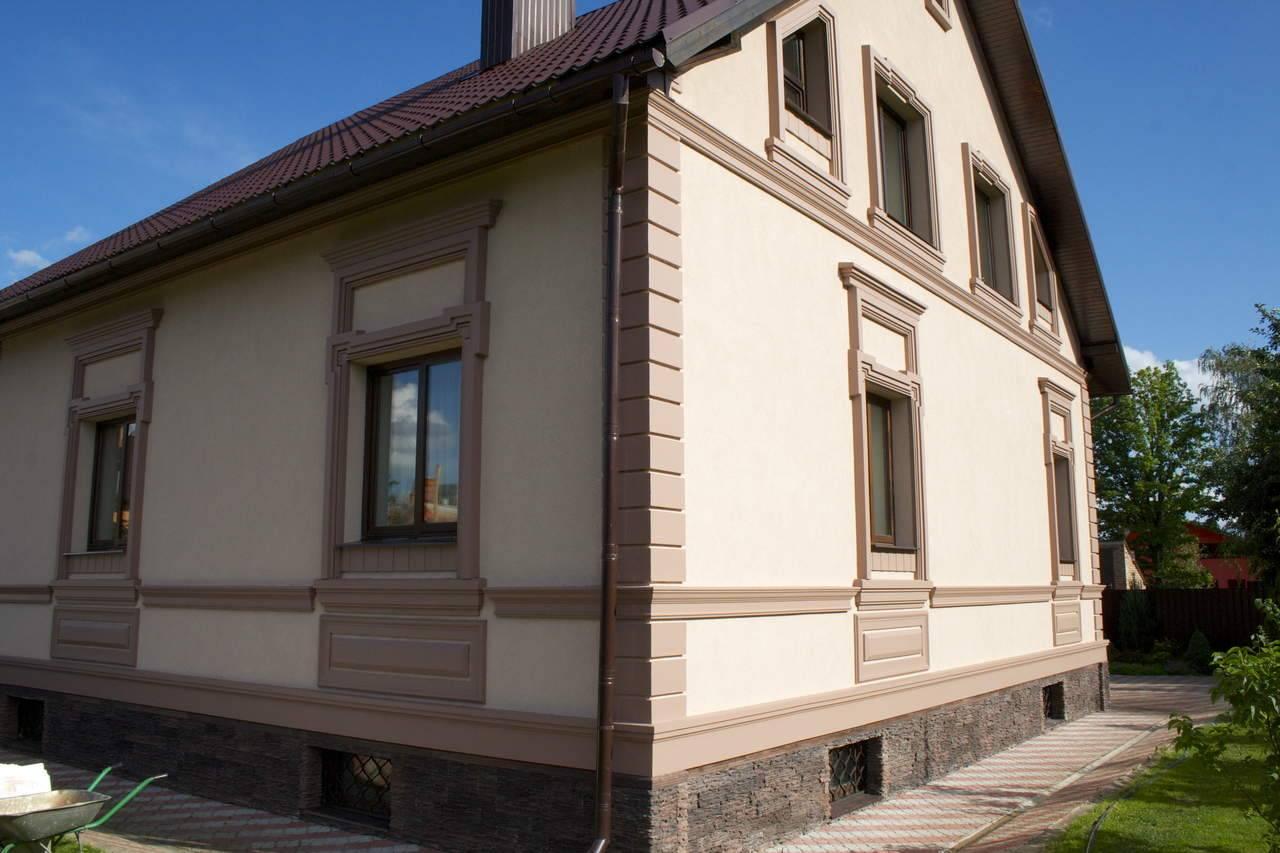 Фасадный декор — красивые сочетания, материалы, технология и советы по отделки домов различных конструкций (105 фото и видео)