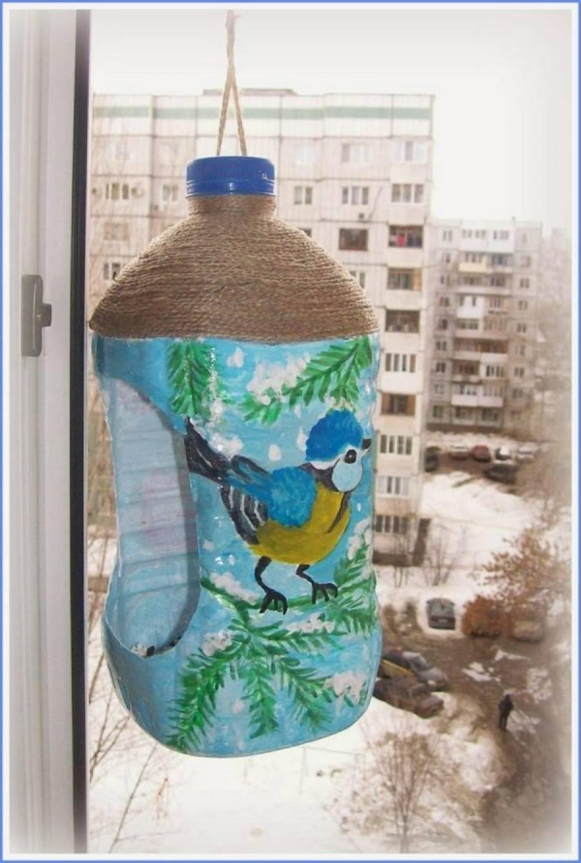Кормушка из пластиковой бутылки: преимущества конструкции, создание изделия для птиц из пятилитровой тары