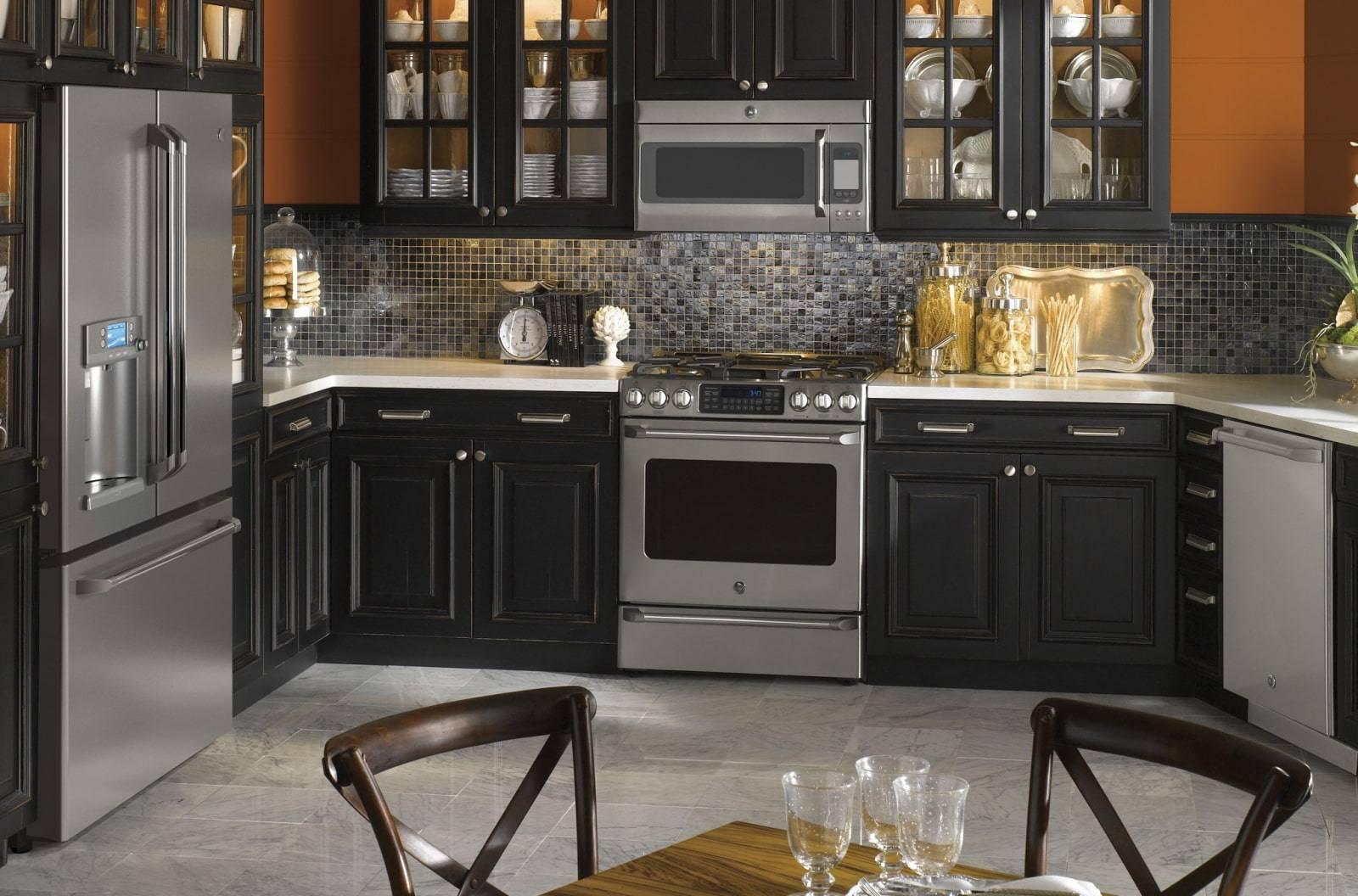 Темная кухня: фото реальные интерьеров кухни в темном цвете