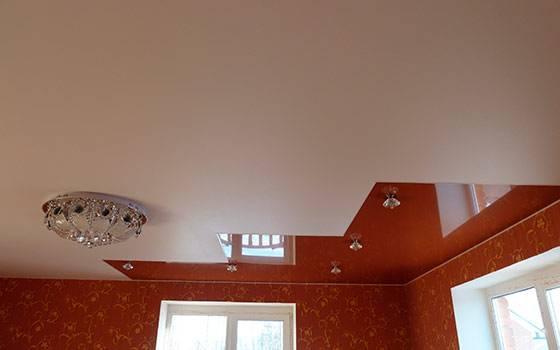 Девочки,какой потолок лучше глянцевый или сатиновый??