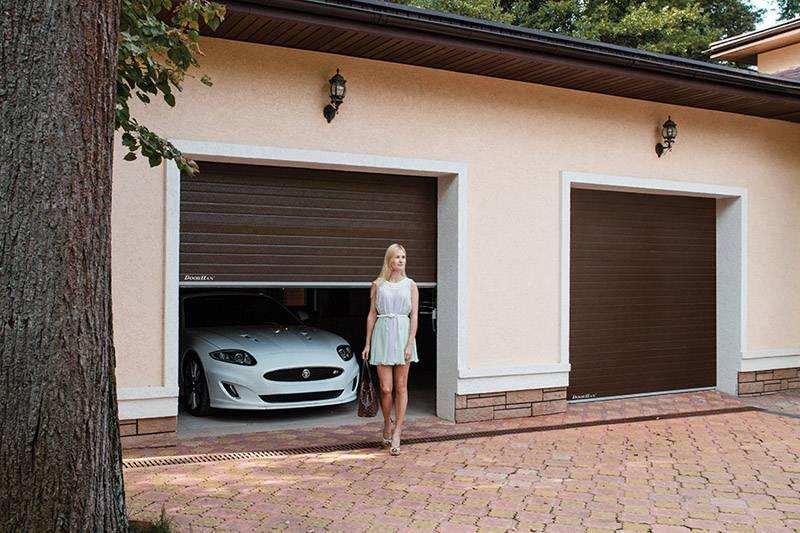 Секционные гаражные ворота: виды, устройство, производители