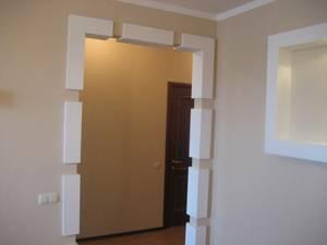 Как и чем красиво оформить дверной проём без двери своими руками в квартире: фото отделки шторами и декоративным камнем