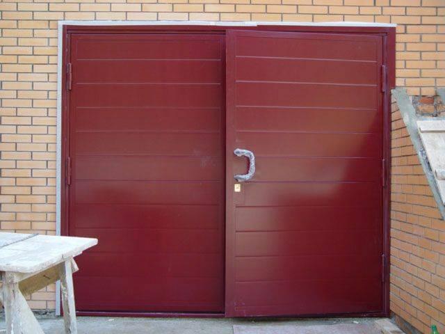 Как сделать гаражные металлические ворота из профильной трубы