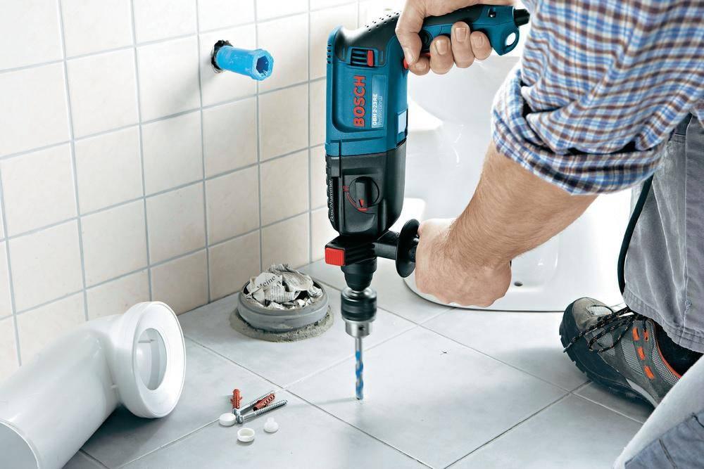 Как просверлить плитку в ванной, чтобы она не треснула - правила