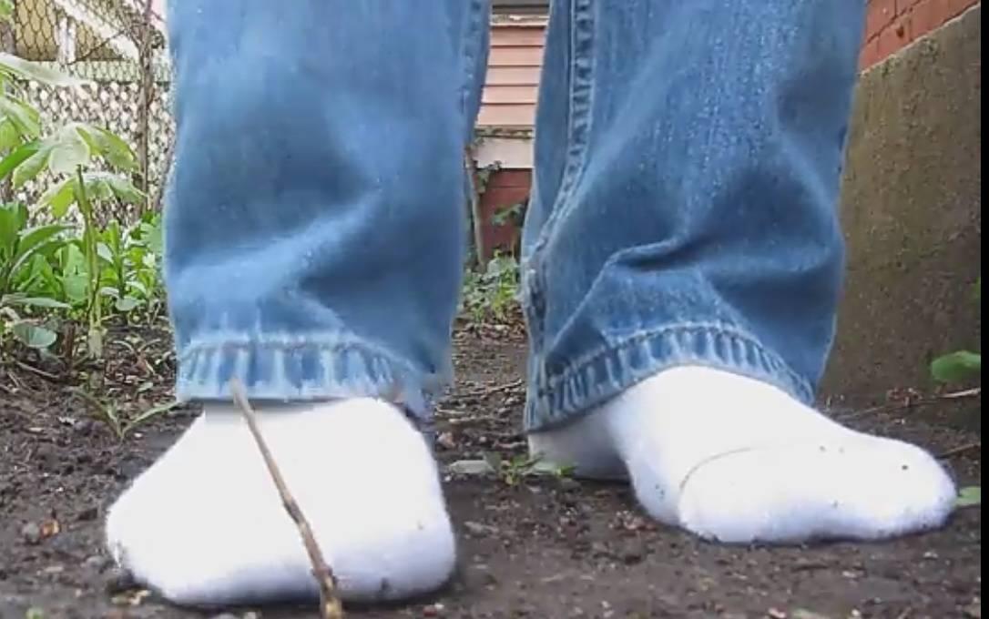 Почему американцы ходят в обуви дома, не задумывались?