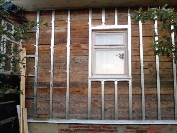 Обшивка дома сайдингом своими руками: пошаговая инструкция с фото и видео