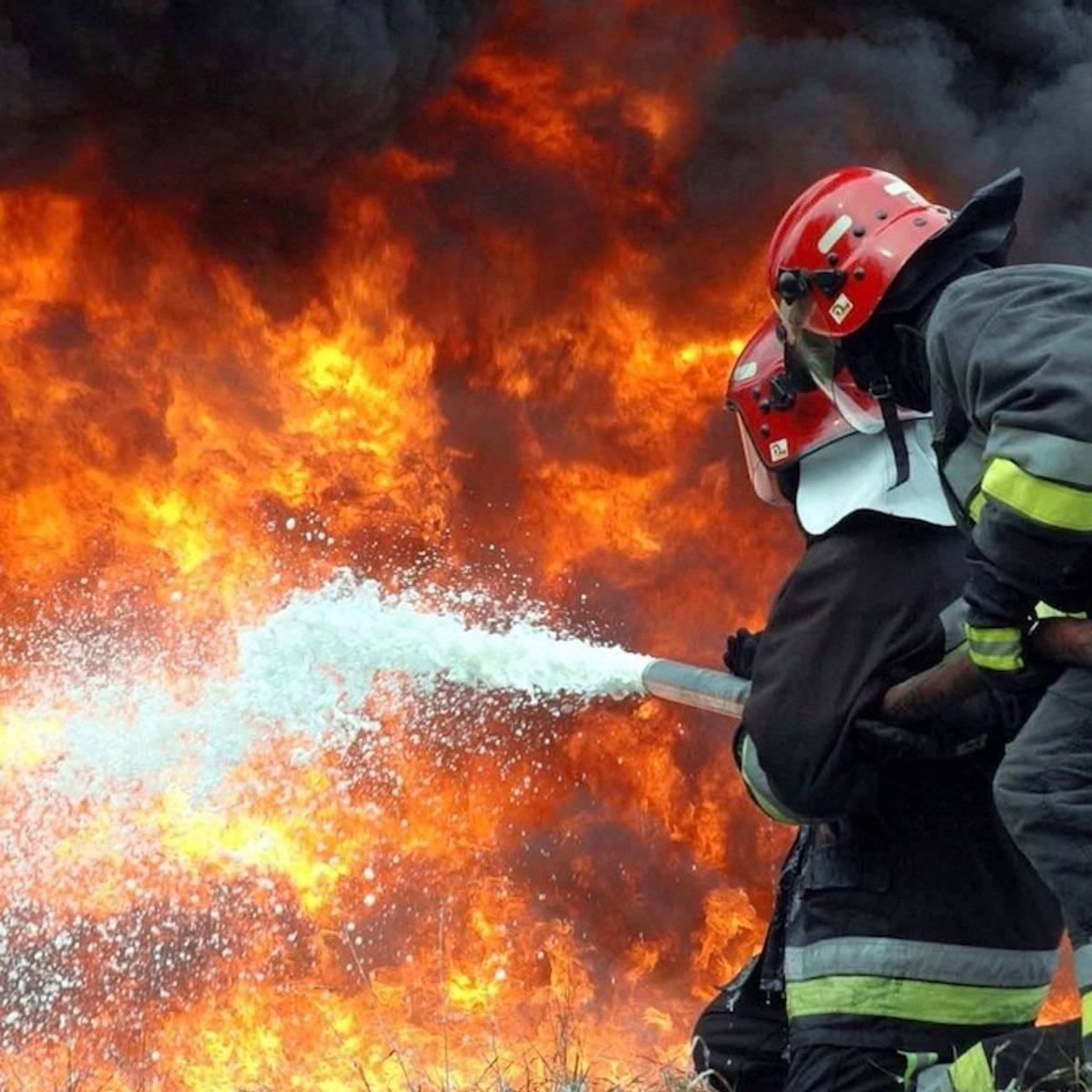 Что делать, если у вас пожар в доме? как защитить от возгорания и что делать если ваш дом уже сгорел: пошагово +видео