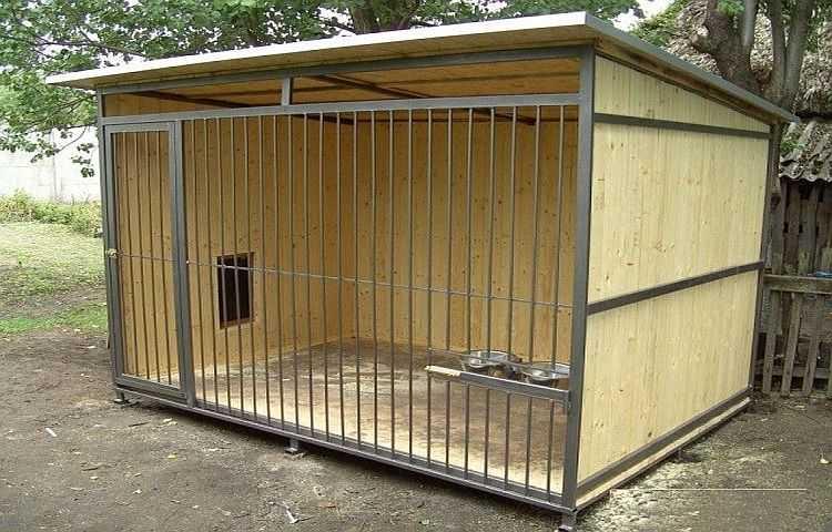 Вольер для собаки своими руками (55 фото): как построить простой деревянный вольер самому по чертежам? как сделать металлический уличный вольер и чем покрасить в нем пол?