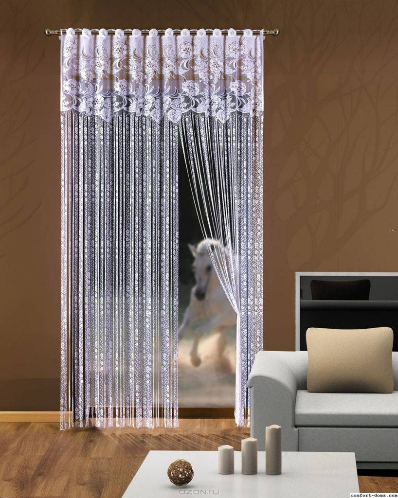 Использование занавесок в дверном проеме