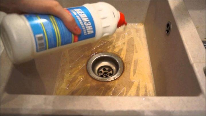 Чем отмыть раковину из искусственного камня известкового налета от жира на кухне