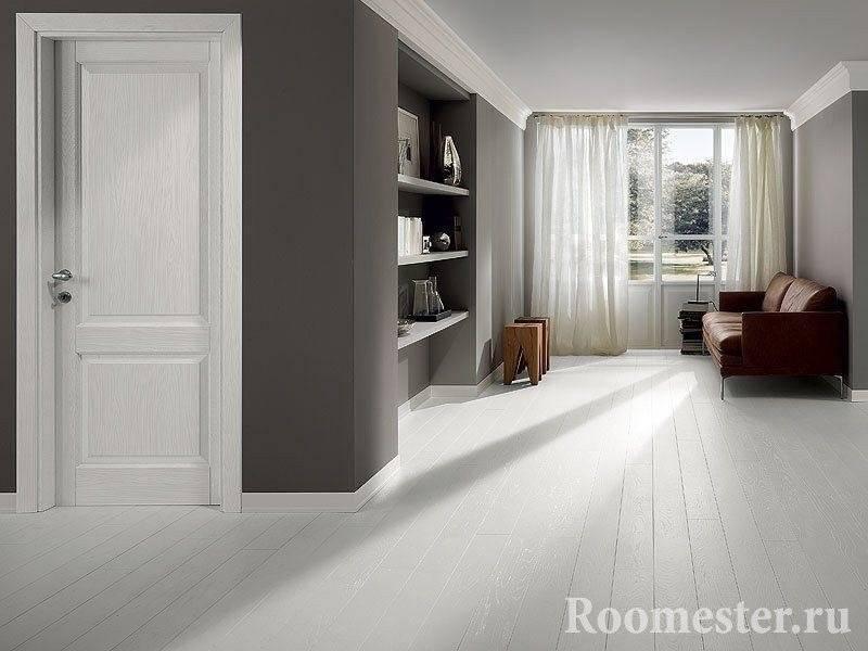 Светлые двери и светлый пол в интерьере (71 фото): сочетание с темными стенами и белыми дверями, с цветом венге, бежевым и коричневым
