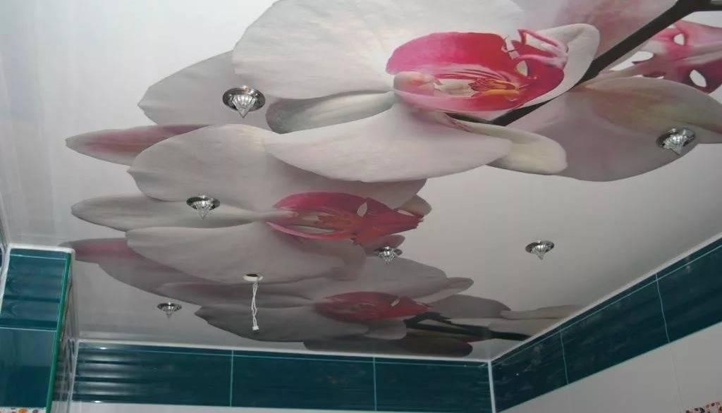 Натяжной потолок в спальне: 100 фото новинок красивого дизайна
