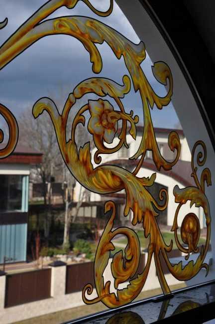 Защита от жары — клеим солнцезащитную пленку на окно
