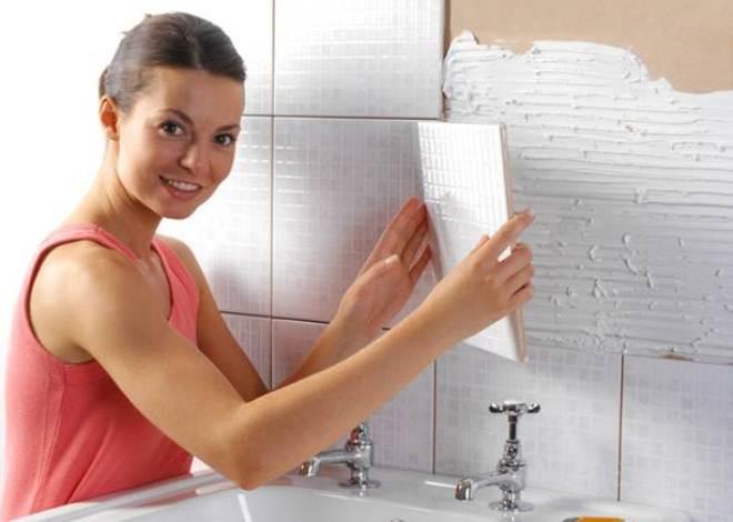 Жидкие гвозди помогают экономить: в каких случаях оправдано их применение для отделки керамической плитки